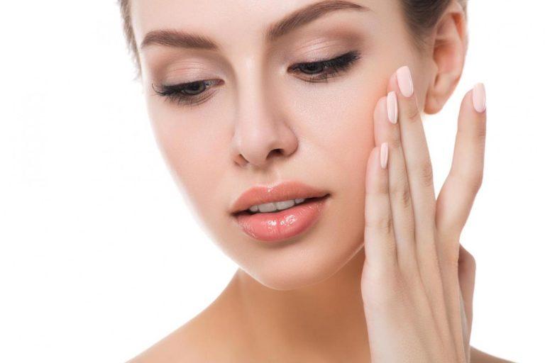 Powiększenie ust, Wypełnienie zmarszczek, Korekcję powiek, Zmianę konturu ust, Uwydatnienie kości policzkowych, Poprawę nawilżenia skóry Jastrzębie Zdrój